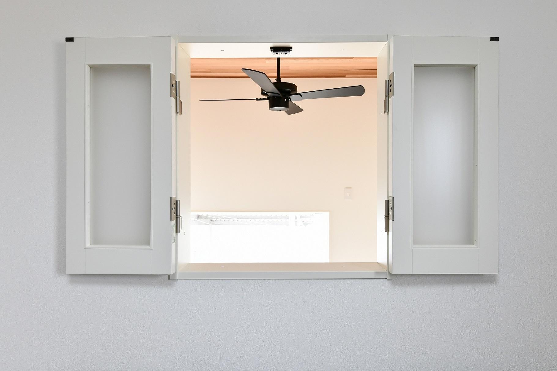 ▲光と風を取り込む室内窓